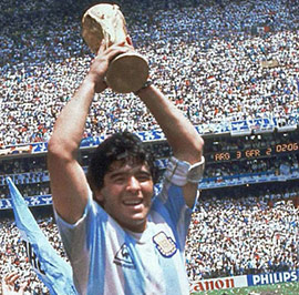 Maradona-and-the-World-Cup,-1986---Maradona-y-la-Copa-del-Mundo,-1986-t