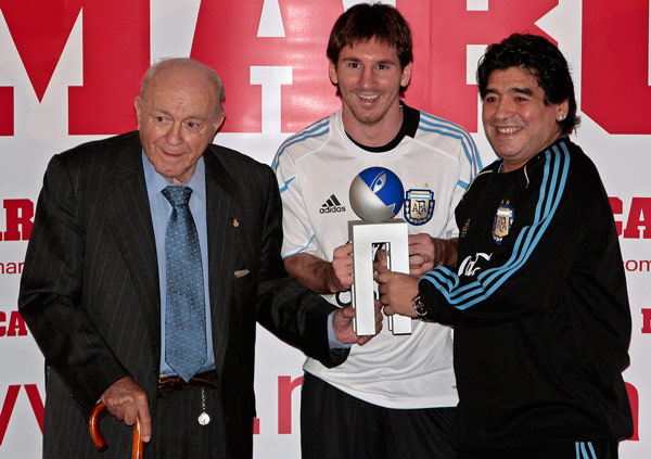 With Lionel Messi and Alfredo Di Stefano, Argentine legends