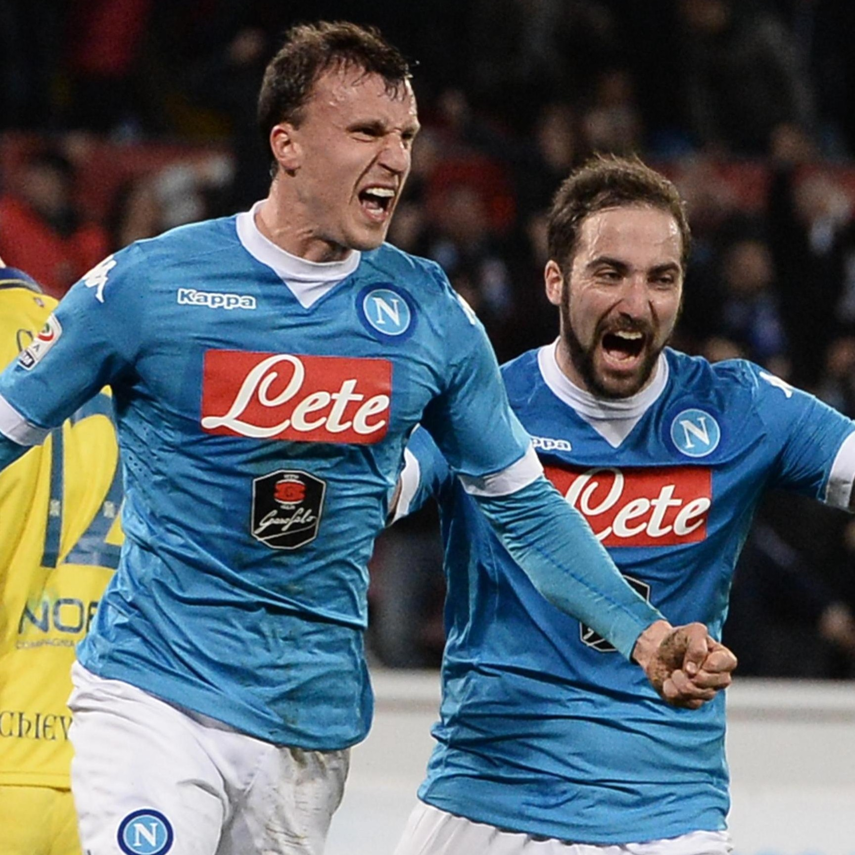 Napoli's defender Vlad Chiriches celebrates with his teammates after scoring the goal of the 2-1 during the Italian Serie A soccer match between SSC Napoli and Chievo Verona at  San Paolo Stadium in Naples, 5 March 2016.  ANSA/ CIRO FUSCO